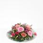 Bloemstuk in glazen schaal met roze bloemen (2 formaten)