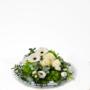 Bloemstuk in glazen schaal met witte bloemen (2 formaten)